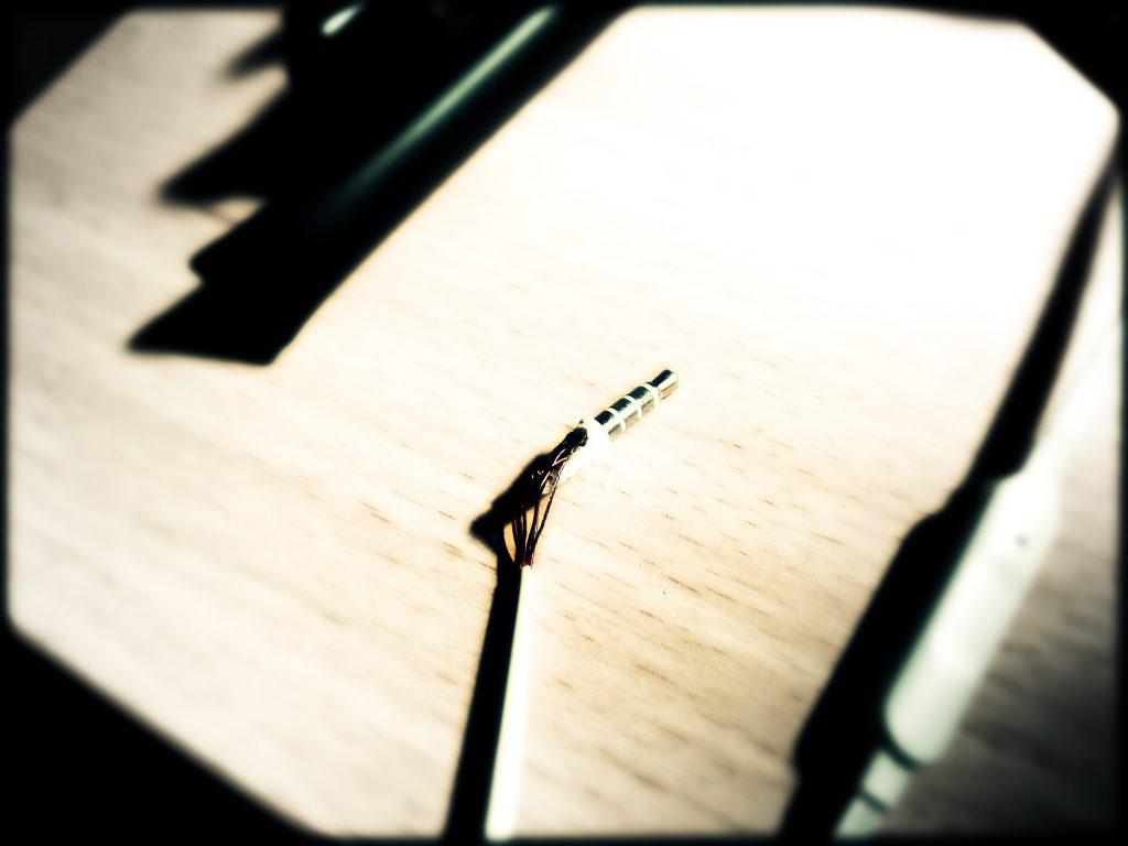 4 ių kontaktų 3.5 mm ausinių kištuko remontas