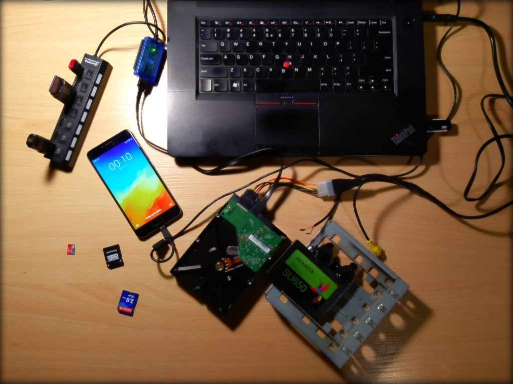 Duomenų atkūrimas perkėlimas. SSD HDD Flash USB micro SD