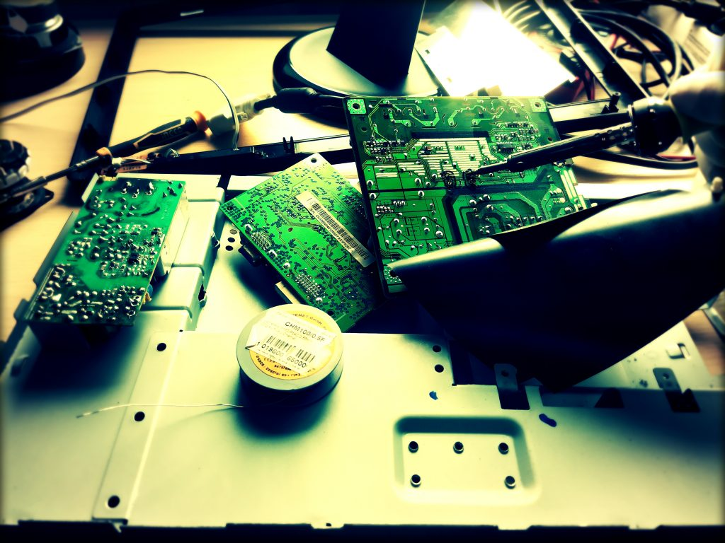 samsung syncmaster lcd monitoriaus maitinimo remontas kondensatoriu keitimas